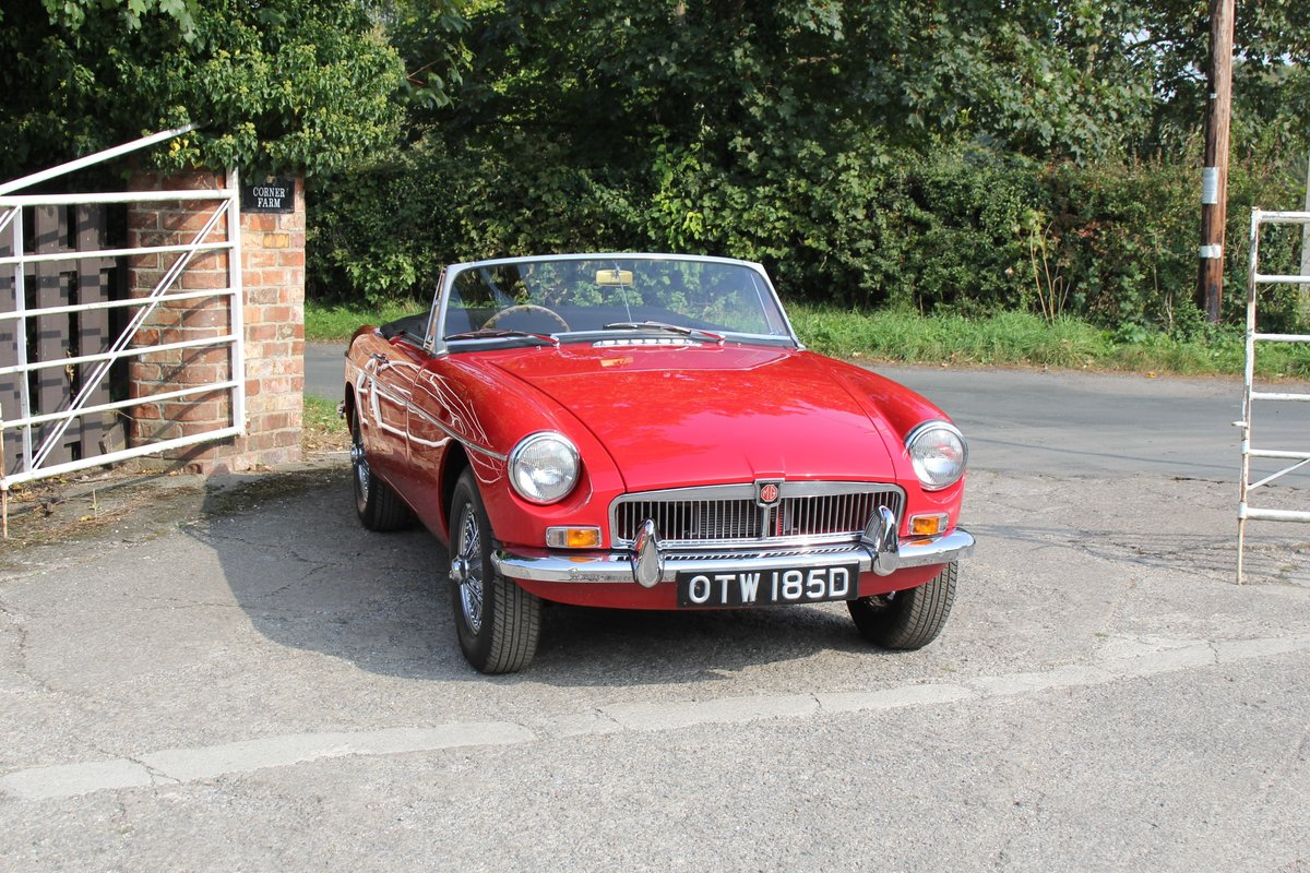 1965 MGB Roadster, Fully rebuilt Home Market RHD example For Sale (picture 1 of 17)