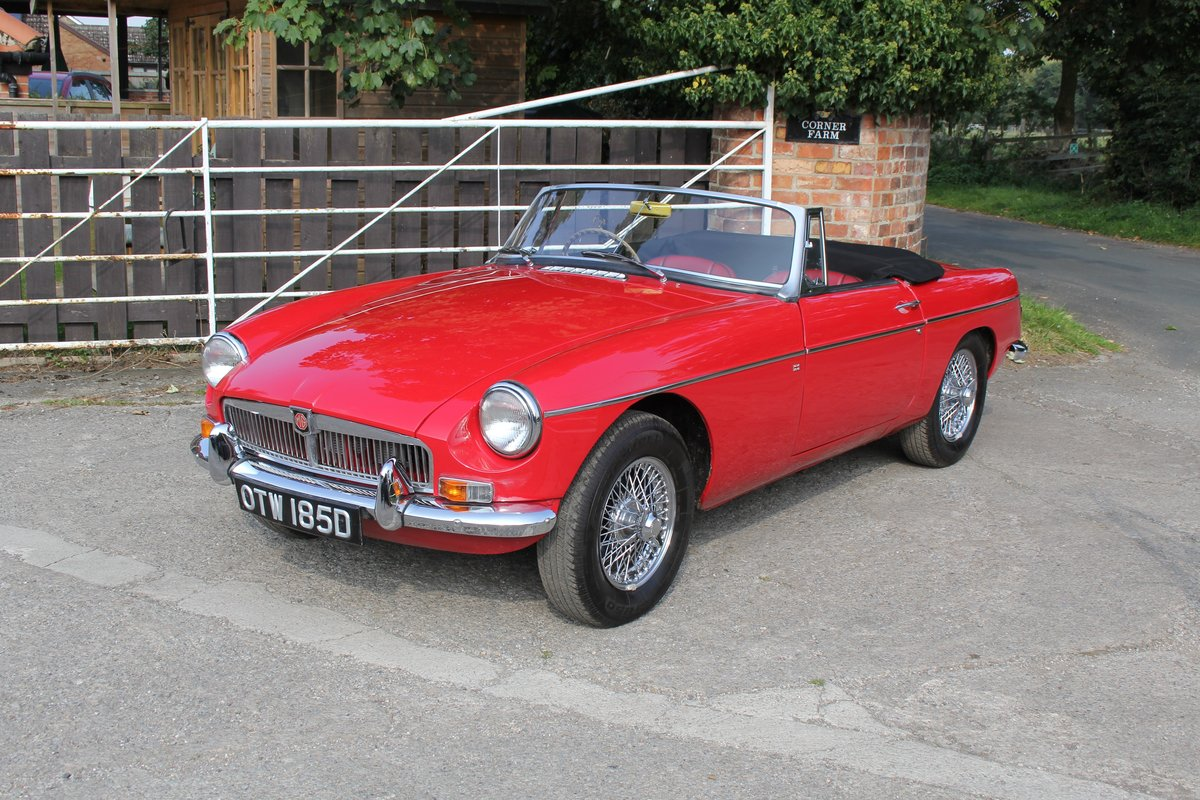 1965 MGB Roadster, Fully rebuilt Home Market RHD example For Sale (picture 3 of 17)