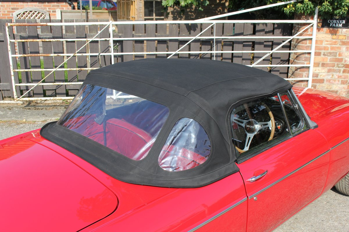 1965 MGB Roadster, Fully rebuilt Home Market RHD example For Sale (picture 16 of 17)