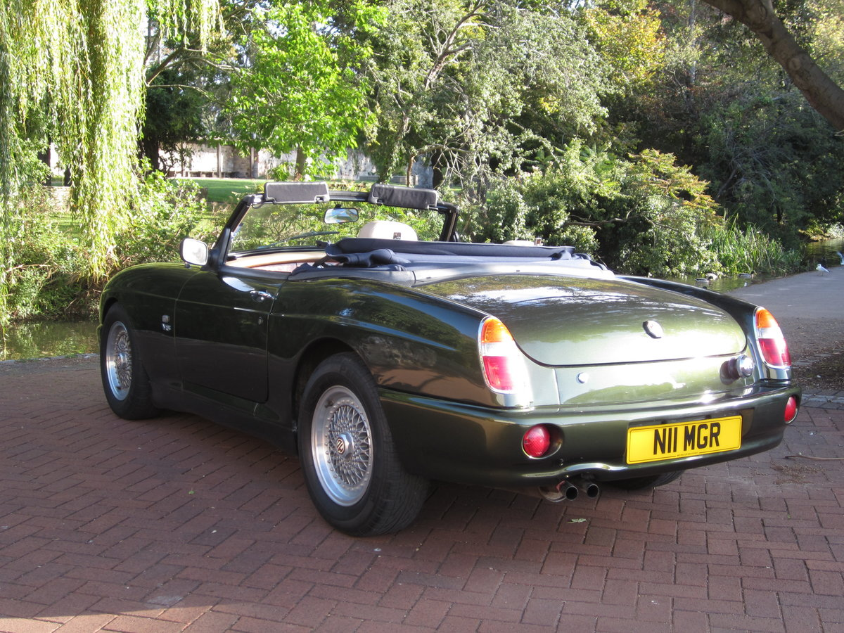1996 Low Mileage MG RV8. Exceptional Condition. Power Steering. For Sale (picture 2 of 6)