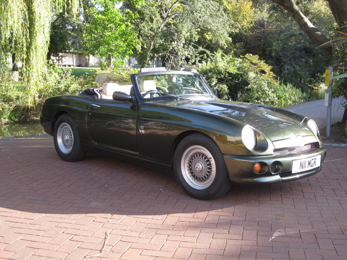 1996 Low Mileage MG RV8. Exceptional Condition. Power Steering. For Sale (picture 3 of 6)