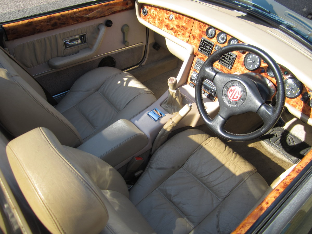 1996 Low Mileage MG RV8. Exceptional Condition. Power Steering. For Sale (picture 5 of 6)