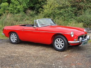 MG B Roadster, 1972, Red, Heritage Shell standard