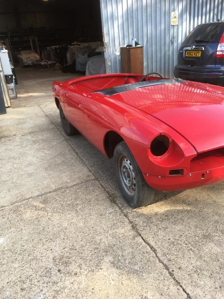 1968 MGB Roadster Shell. For Sale (picture 2 of 6)