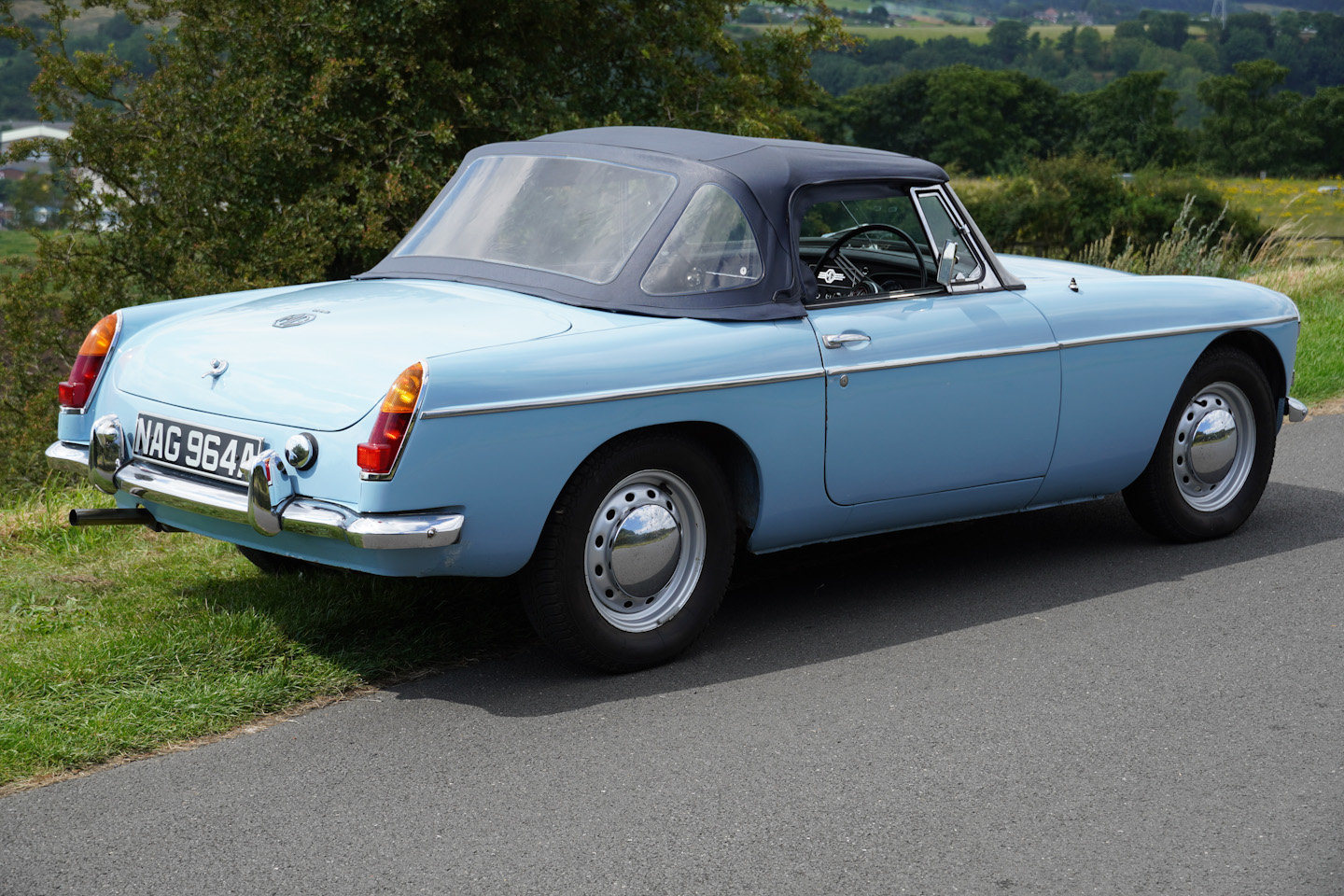 1963 MGB Roadster - Ex Southern California Car For Sale (picture 4 of 10)