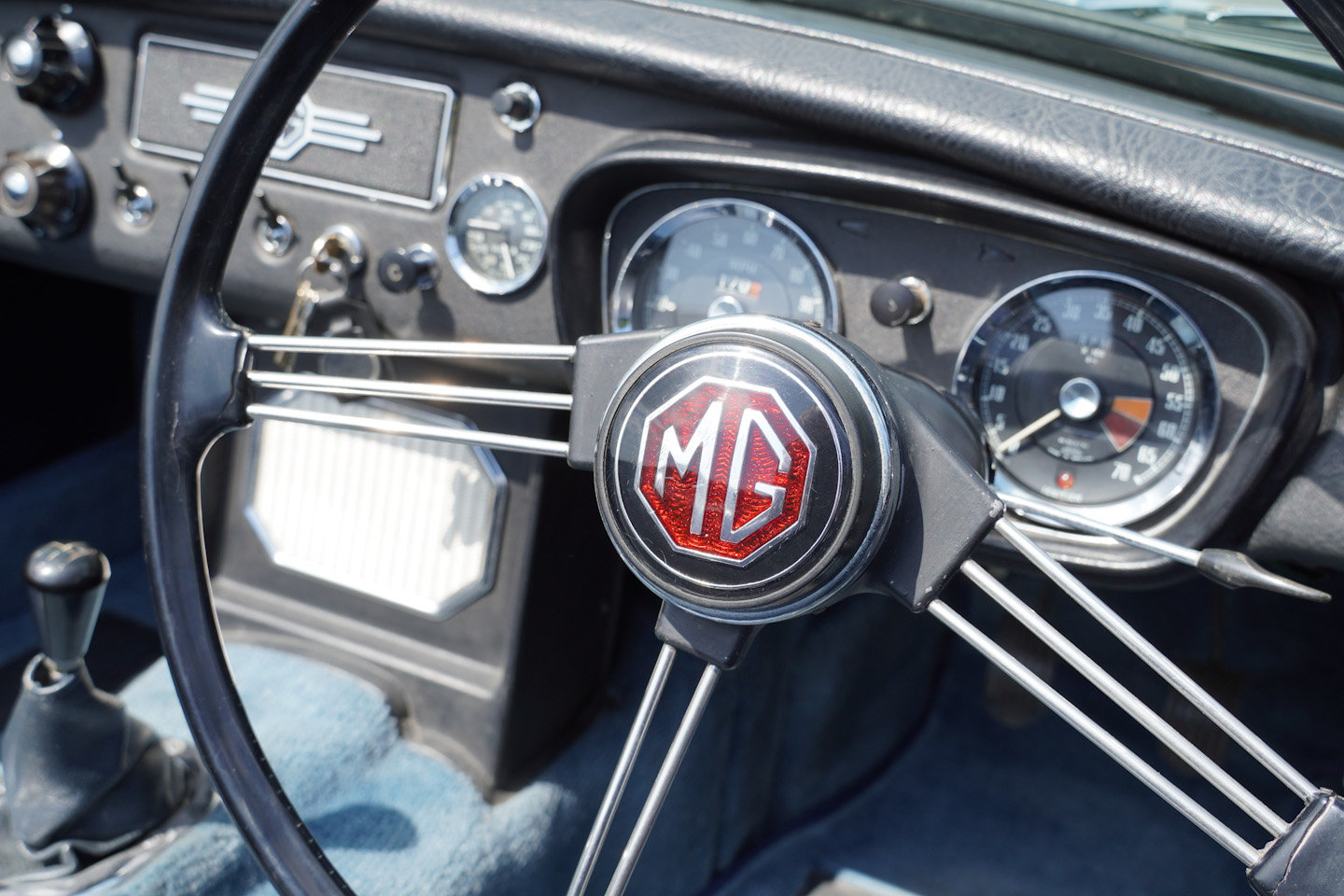 1963 MGB Roadster - Ex Southern California Car For Sale (picture 7 of 10)