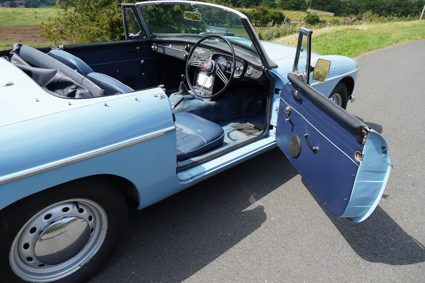 1963 MGB Roadster - Ex Southern California Car For Sale (picture 10 of 10)