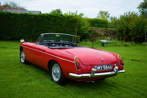 Picture of 1963 MGB ROADSTER - EARLY MODEL, VERY PRETTY, BARGAIN PRICE! SOLD