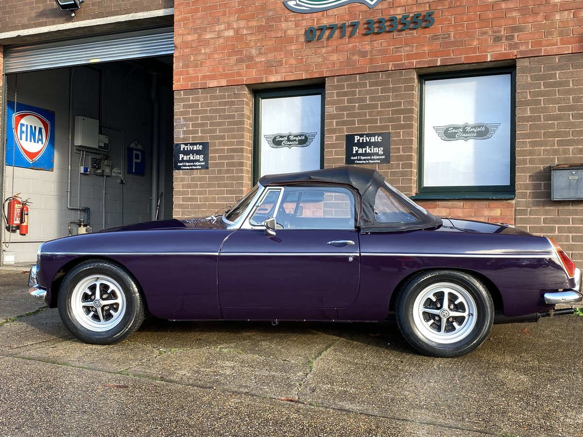 1971 MGB Roadster, Black Tulip, 44000 miles For Sale (picture 5 of 6)