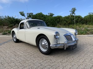 Picture of 1957 MGA 1600 Coupe