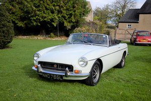 Picture of 1972 MGB ROADSTER - VERY PRETTY EXAMPLE, SO WELL PRICED!