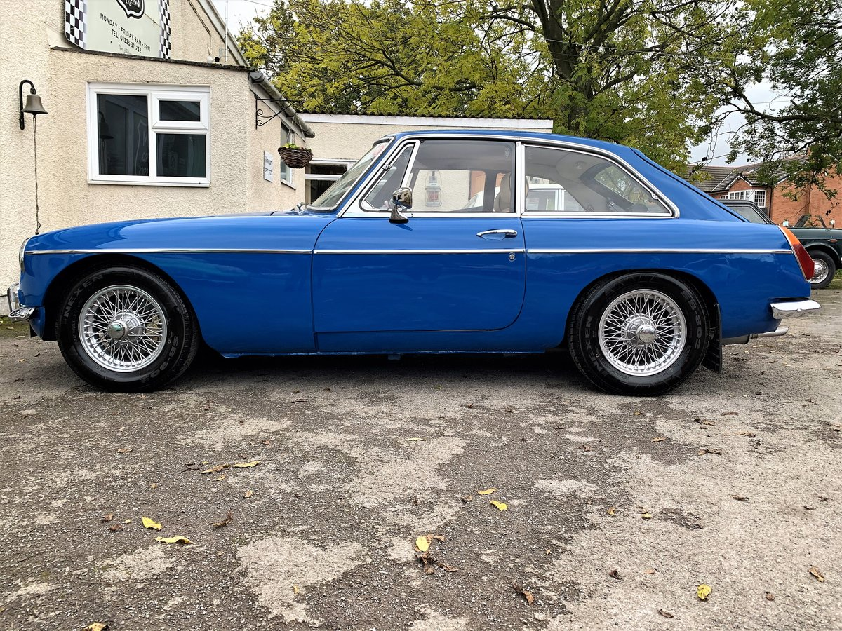 MG B GT- 1972 For Sale (picture 4 of 6)