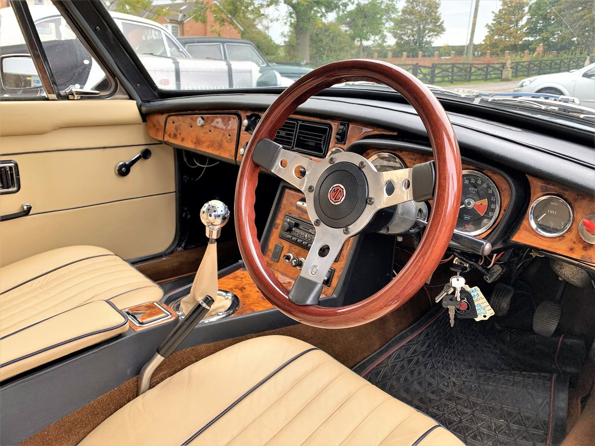 MG B GT- 1972 For Sale (picture 5 of 6)