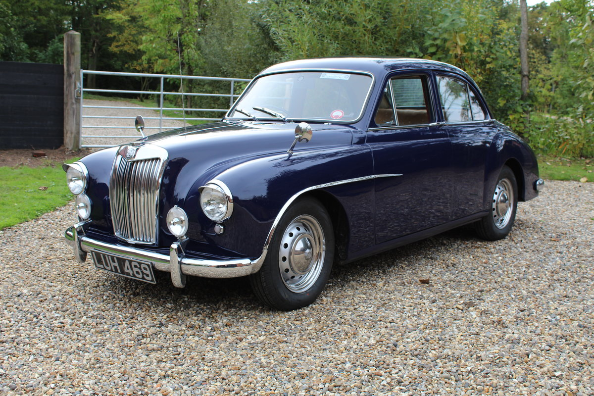 1955 Beautiful MG ZA Magnette in midnight blue. SOLD (picture 1 of 6)