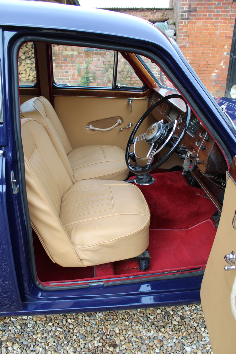 1955 Beautiful MG ZA Magnette in midnight blue. SOLD (picture 2 of 6)