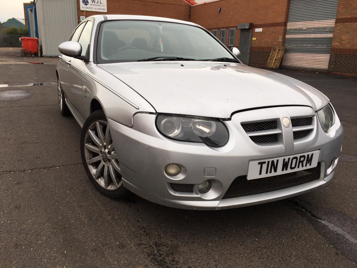 Low mileage 2004 MG ZT 190 2.5 V6 petrol with manual gearbox For Sale (picture 1 of 6)