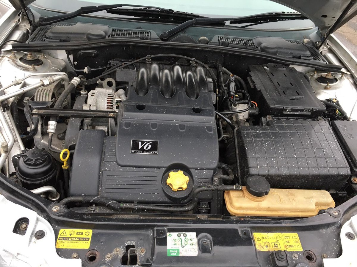 Low mileage 2004 MG ZT 190 2.5 V6 petrol with manual gearbox For Sale (picture 6 of 6)
