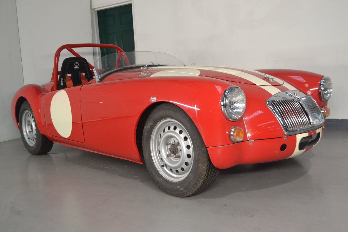1960 MGA 1600 Roadster FIA race car For Sale (picture 1 of 6)