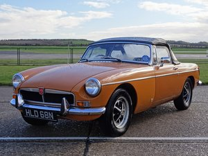 Picture of 1975  MG B Roadster