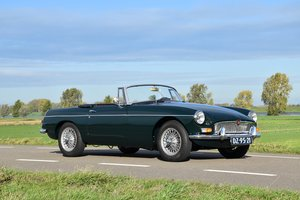 Picture of 1964 MGB 1800 Roadster British Racing Green For Sale