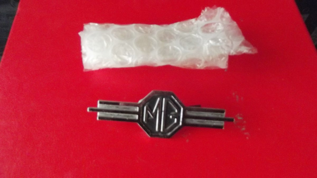 0000 MG MGA MGB  ETC MEMORABILIA FOR SALE For Sale (picture 7 of 12)