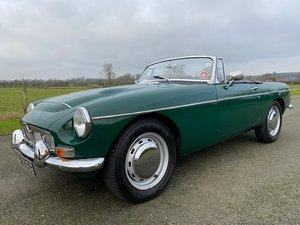 Picture of 1969 MGC Roadster in British Racing Green and Black leather For Sale