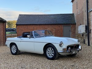 Picture of 1972 MGB Roadster 3500 V8 5 Speed SOLD