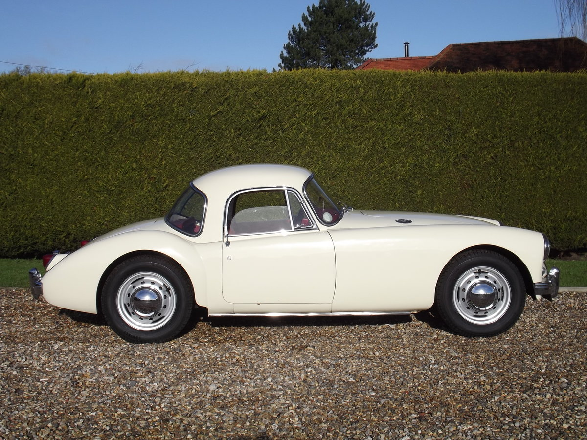 1956 MGA Coupe. Excellent example, matching numbers. For Sale (picture 5 of 27)