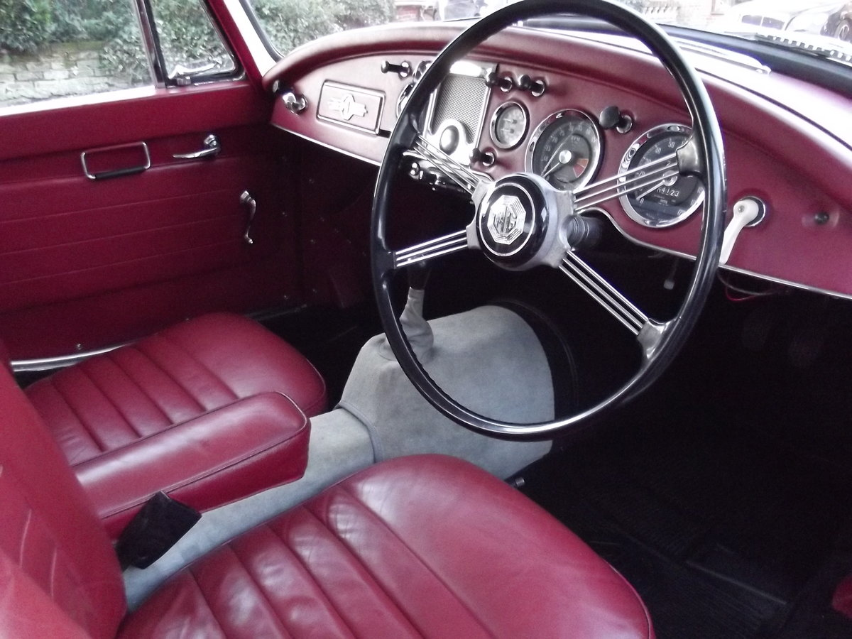 1956 MGA Coupe. Excellent example, matching numbers. For Sale (picture 13 of 27)