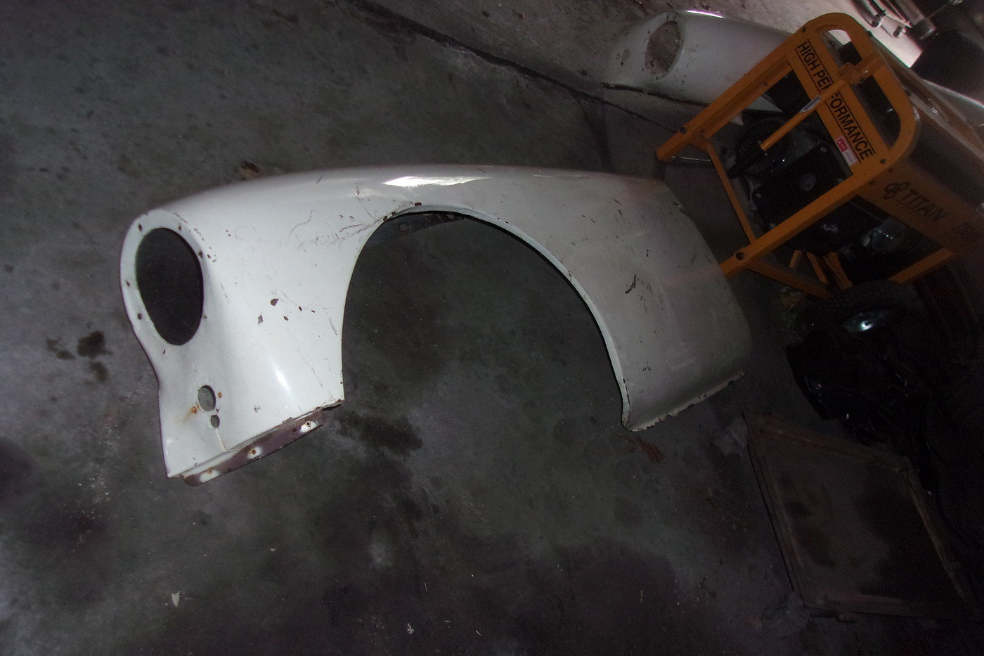 1955 thru 1962 MGA Roadster-(1) pair of front fenders For Sale (picture 2 of 4)