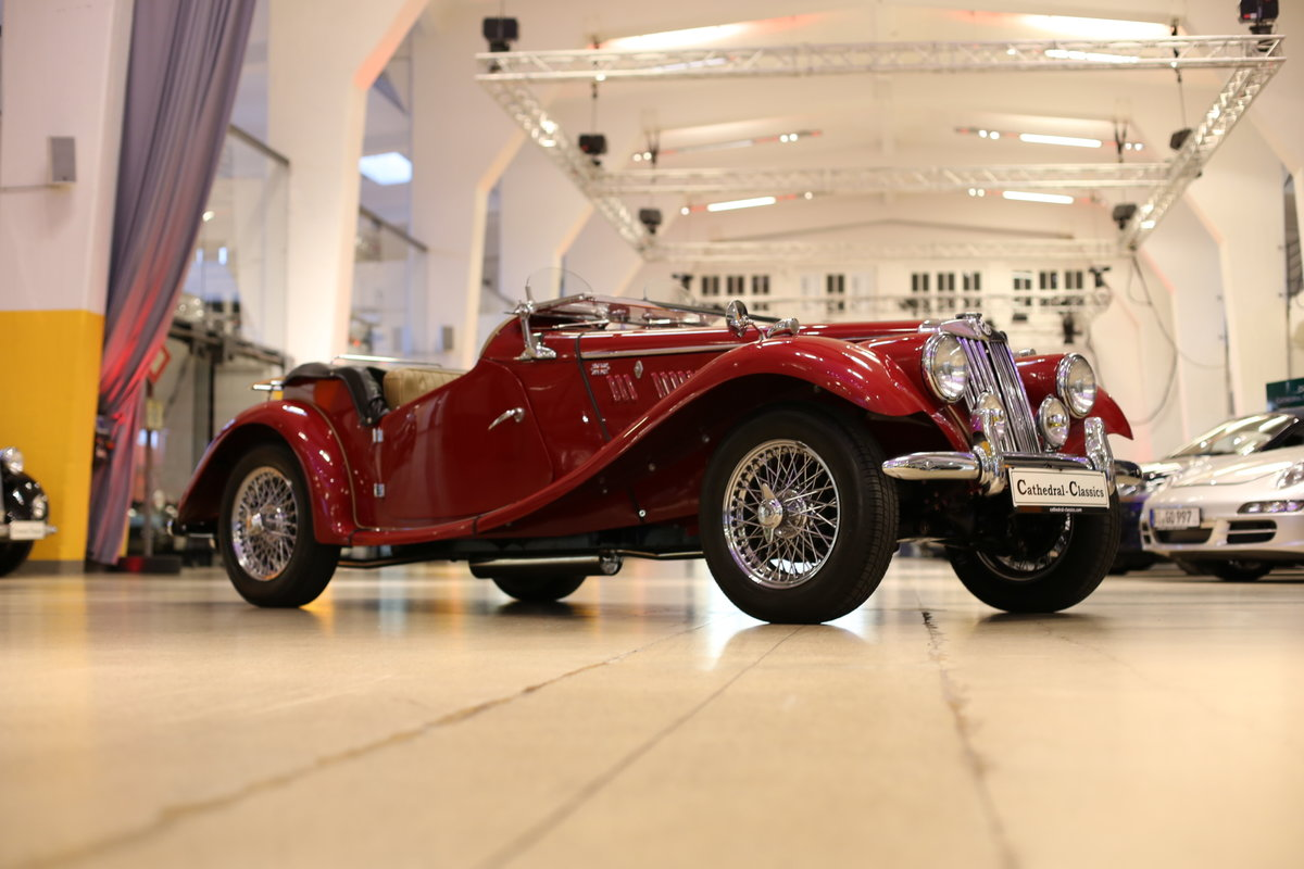 1954 A delightful, completely restored MG TF 1250 Midget SOLD (picture 8 of 12)