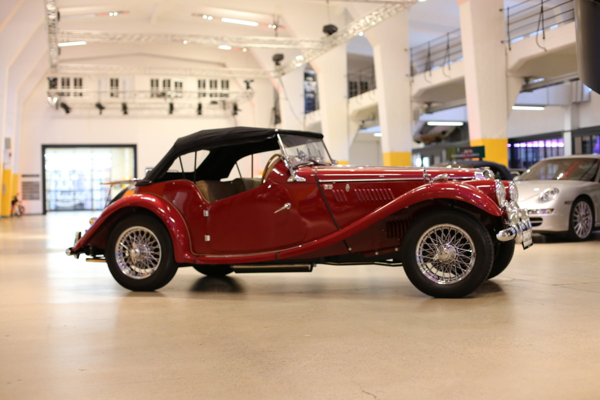 1954 A delightful, completely restored MG TF 1250 Midget SOLD (picture 11 of 12)