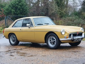 Picture of MG B GT, 1973, Gold SOLD