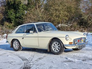 Picture of MG B GT, 1971, Old English White For Sale