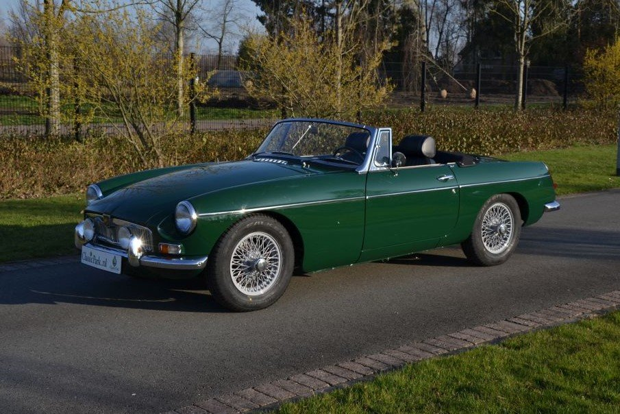 1963 MG B Roadster For Sale (picture 1 of 12)