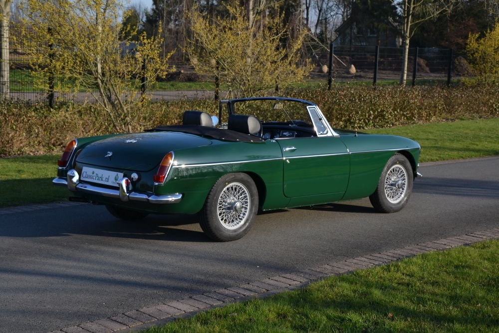 1963 MG B Roadster For Sale (picture 3 of 12)