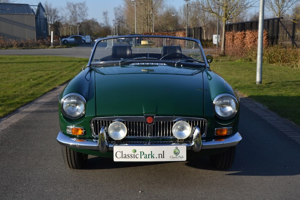 1963 MG B Roadster For Sale (picture 5 of 12)