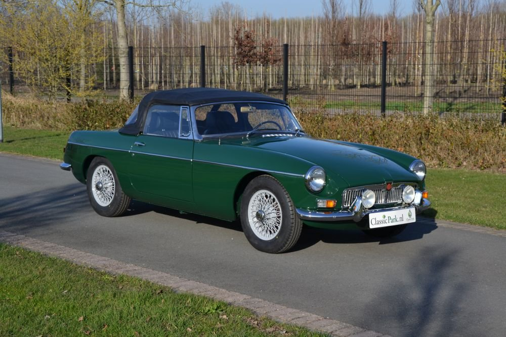 1963 MG B Roadster For Sale (picture 7 of 12)