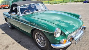 Picture of 1972 MGB Roadster, HERITAGE SHELL in BRG For Sale