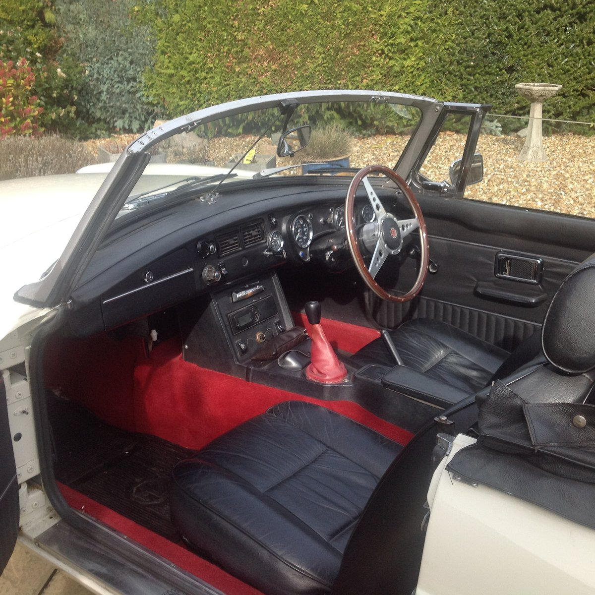 MG B Roadster, 1976, Old English White For Sale (picture 8 of 8)
