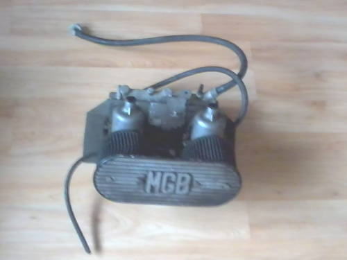 1PAIR OF MGB GT TWIN SU CARBS & BONNET / TAILGATE  For Sale (picture 3 of 4)