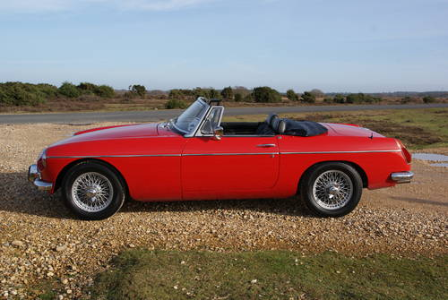 1972 MGB Roadster For Hire (picture 3 of 6)