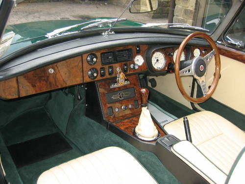 1971 MGB Roadster (£19,000 restoration) SOLD (picture 4 of 6)