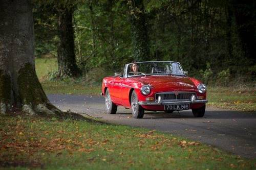 1970 MGB Roadster - SELF DRIVE RENTAL in Ireland - For Hire (picture 1 of 6)
