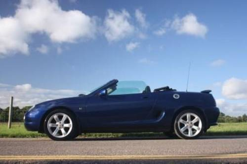 1998 Rent a MGF convertible in the Cotswolds For Hire (picture 2 of 6)