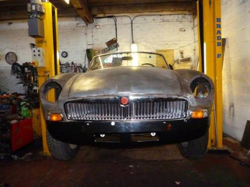 1973 Unfinished Project MG B Roadster V8 For Sale (picture 1 of 5)