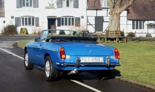 1974 Rent a classic chrome MGB convertible in the Cotswolds For Hire (picture 3 of 6)
