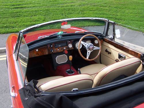 1966 MGB Roadster SOLD (picture 3 of 6)