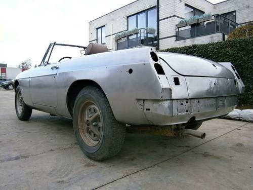 MG B - 1980 - Restoration project - LHD For Sale (picture 2 of 6)