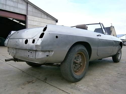 MG B - 1980 - Restoration project - LHD For Sale (picture 3 of 6)